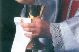 Jak reagować na ustanawianie tzw. szafarzy nadzwyczajnych Eucharystii?