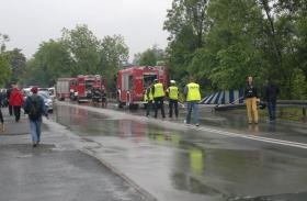 Ciężarówka spadła z wiaduktu